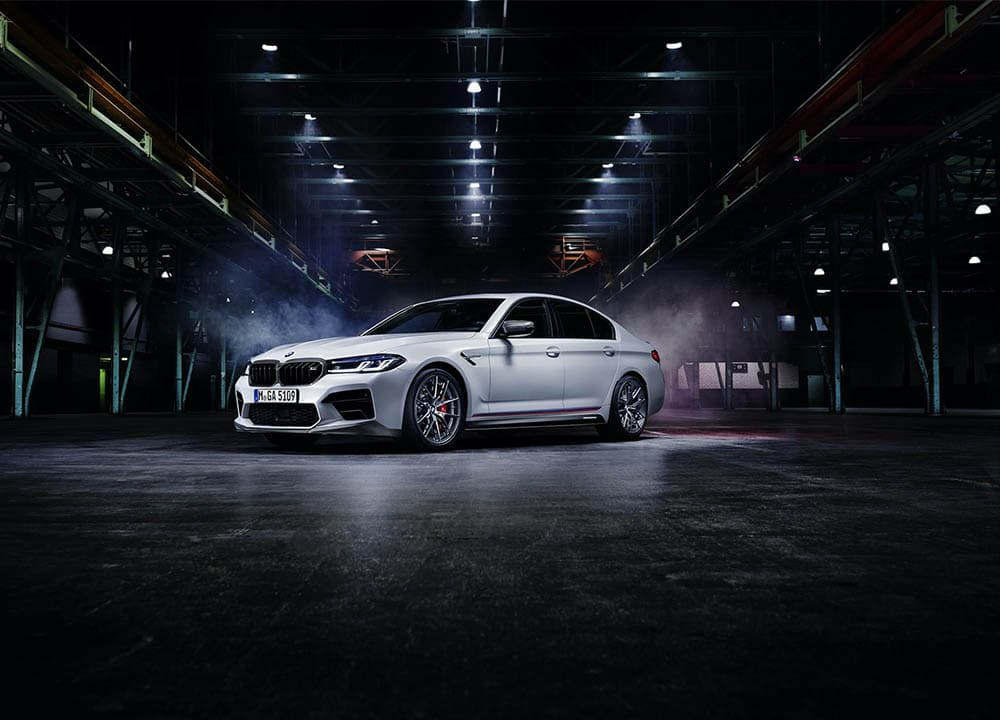 BMW добавляет свежий комплект M Performance для нового М5 — BMWLAND.RU
