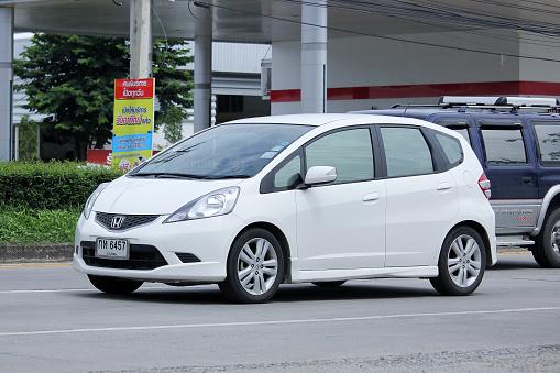 Honda Jazz Hybrid второе поколение (описание и характеристики)
