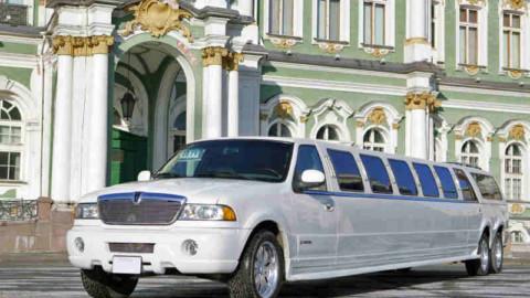 Транспорт, необходимый для свадьбы: полезные советы по аренде авто СПБ и МСК