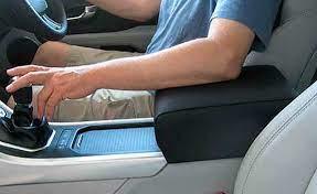 Нужен ли подлокотник для водителя?