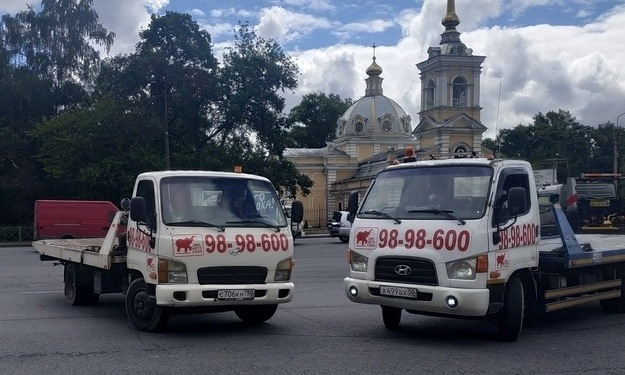 Заказ эвакуатора в Санкт Петербурге